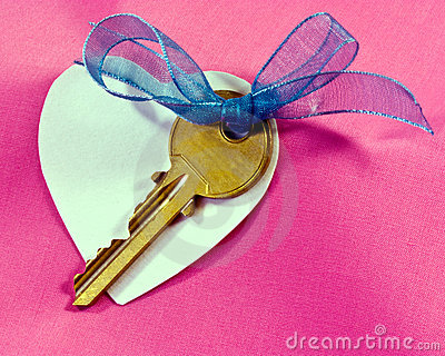 Key, Heart and Bow