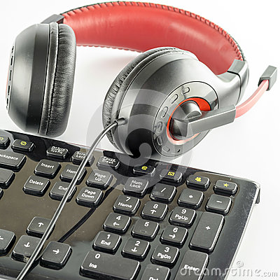 Keyboard computer and headphone