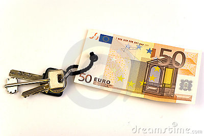 Keys with 50 Euro banknote tag