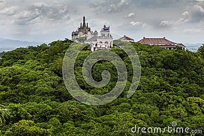 Khao Wang and Phra Nakhon Khiri palace