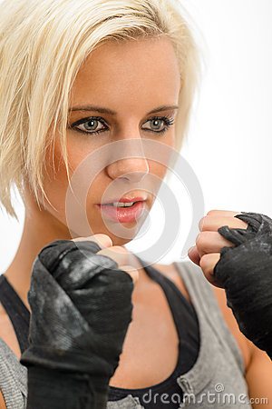 Kickbox blond woman ready to fight