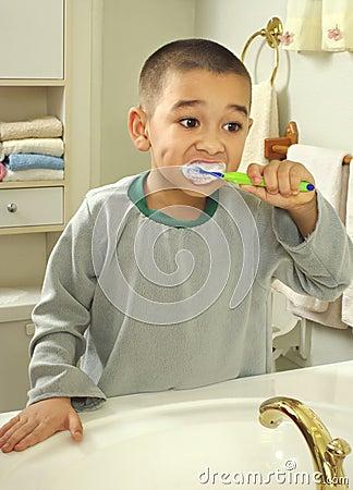 Free Kid Brushing Teeth Stock Image - 13849091