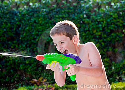 Kid playing with water toys
