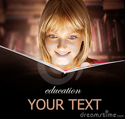 Free Kid Reading The Book Stock Photography - 20674082