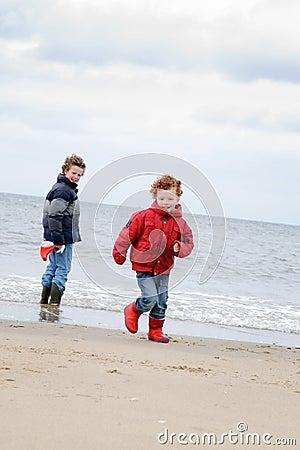 Free Kids At Winter Beach Stock Photos - 14558933