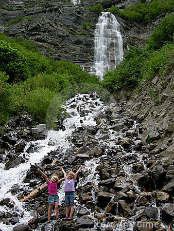 Kids @ Bridal Veil Falls