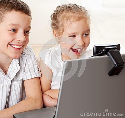 Kids communicate with online