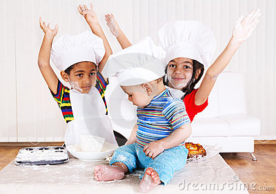 Kids in cook costumes