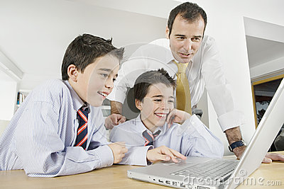 Kids with Dad on Laptop