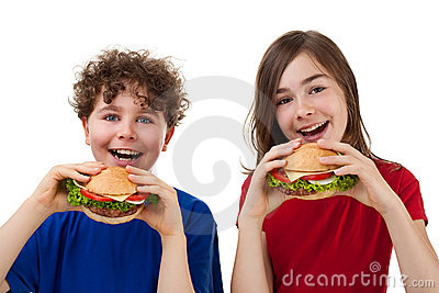 Kids eating healthy sandwiches