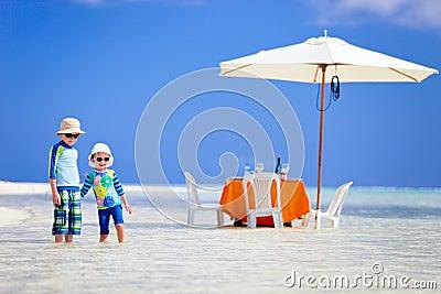 Kids at exotic island picnic