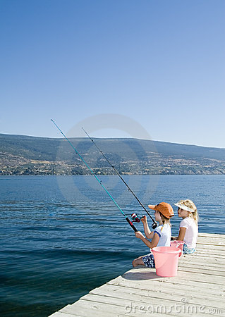 Free Kids Fishing In Lake Royalty Free Stock Photo - 2483395