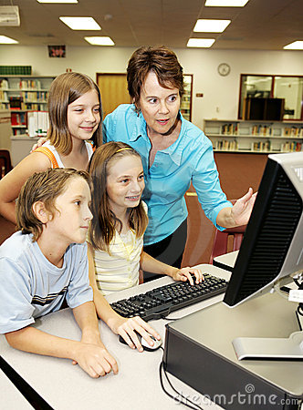 Free Kids Learn Computer Royalty Free Stock Photo - 3146835
