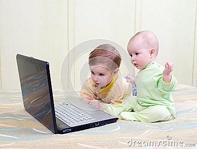 .kids playing computer games