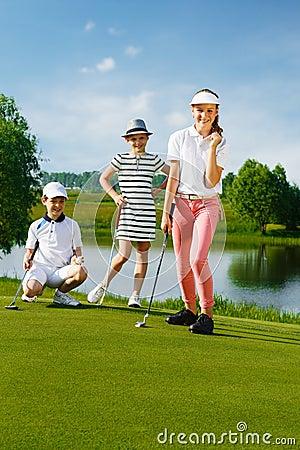Free Kids Playing Golf Stock Photography - 68619752