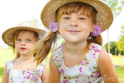Kids in straw hats
