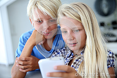 Kids using new technologies