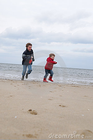 Kids at winter beach