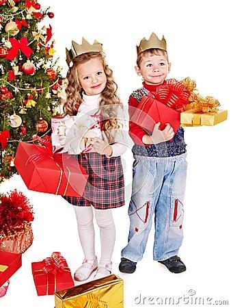 Free Kids With Christmas Gift Box. Stock Photo - 27569110