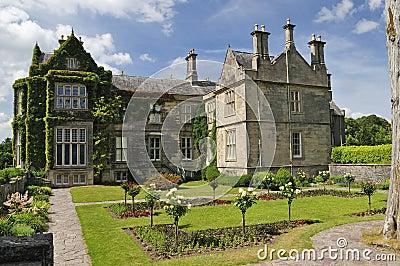 Killarney garden castle