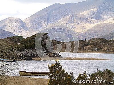 Killarney National Park - Lake and Mountains