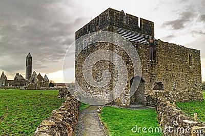 Kilmacduagh castle