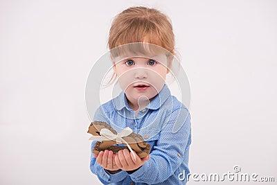 Kind met het stuk speelgoed paard stock foto afbeelding 48202764 - Planklengte van het kind ...