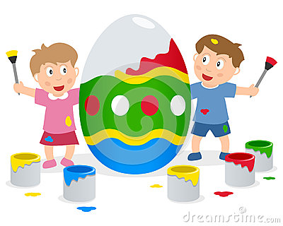 Kinder, die großes Osterei malen