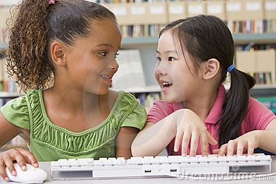 Kindergarten children using computer