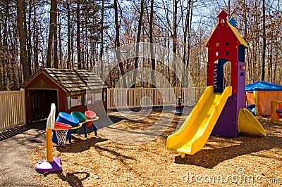 Kindertagesstättespielplatzausrüstung