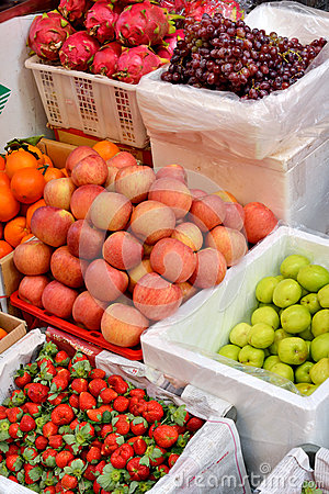 Kinds of fresh fruit in sell