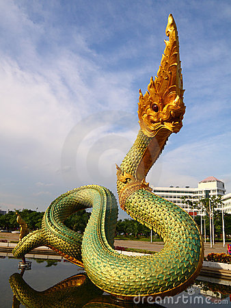 Free King Of Naga Statue Royalty Free Stock Photography - 15121567