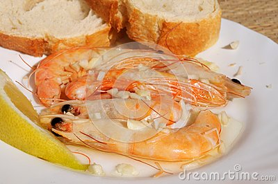 Prawns in garlic with bread.