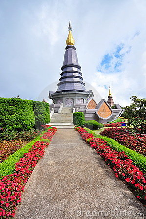 King & Queen stupa at the peak of Doi Inthanon
