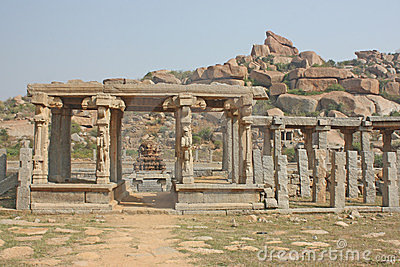 The kings balance, Hampi