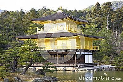 Kinkakuji寺庙在京都