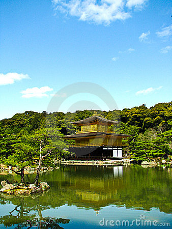 Kinkakuji gold pavillion in Kyoto