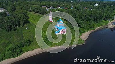 Kirche der Ikone der Mutter Gottes von Kazan Luftvideo Tutaev, Russland stock video footage