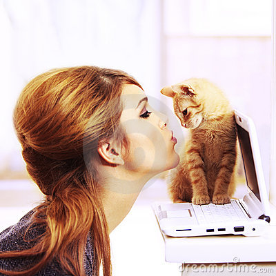 Free Kissing A Cute Kitten The Perfect Gift Royalty Free Stock Photos - 12927928
