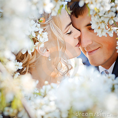 Free Kissing Couple Royalty Free Stock Image - 12922786