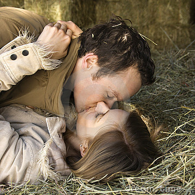 Free Kissing Couple. Stock Photography - 2846882