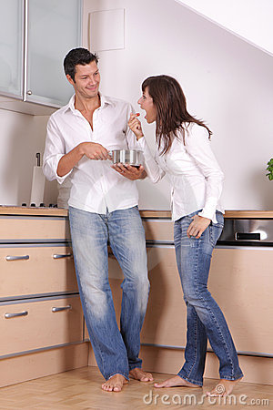 Free Kitchen Couple Stock Photography - 6166982