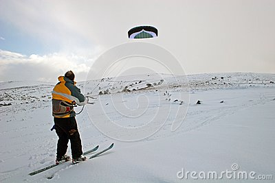 Kite skiing