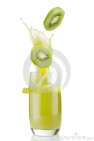 Free Kiwi And Kiwi Juice Stock Photo - 34918710