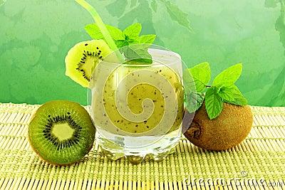 Kiwi fruit juice with fruit