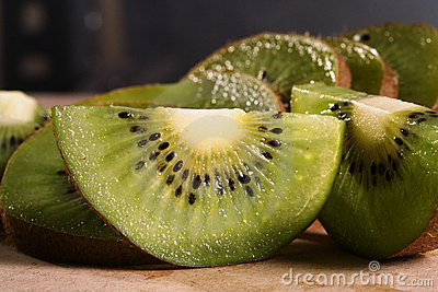 Kiwi fruit pieces