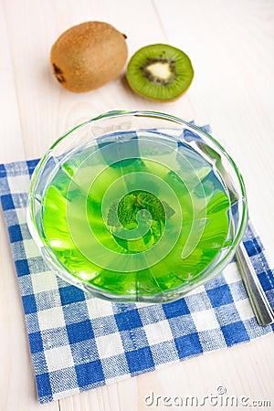 Kiwi jelly with mint