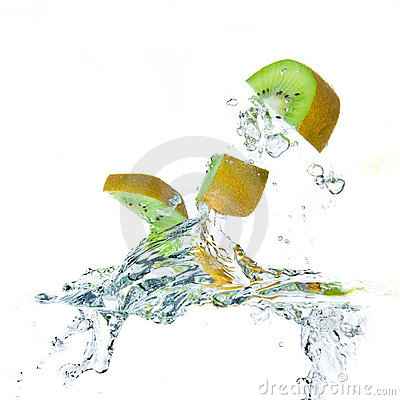 Kiwi splashing