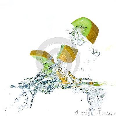 Kiwi splashing