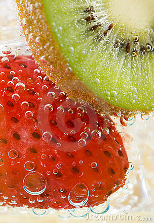 Kiwi Strawberry Fizz